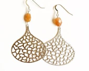 Essaouira Silver Drop and Peach Moonstone Beaded Earrings //Silver earrings //gifts for women //moonstone earrings //gemstone earrings