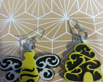 Black and Yellow Bumblebee and hive earring dangles, cute bee and hive laser cut and hand painted acrylic, jewelry, bees, bee earrings