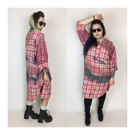 90's Distressed Long Flannel Shirt Dress Large - Red White Tie Dye Grunge Plaid Long Baggy Flannel Shirt - Tie Dye Long Sleeve Grunge Dress