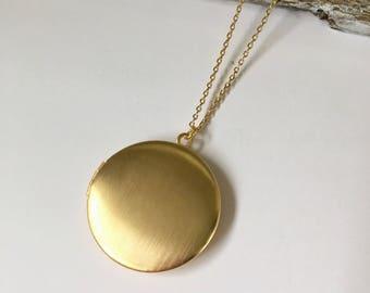 Vintage Round Brushed Matte Gold Locket Necklace, Round Silver Locket Necklace, Round Gold Locket Necklace, Vintage Photo Gold Round Locket