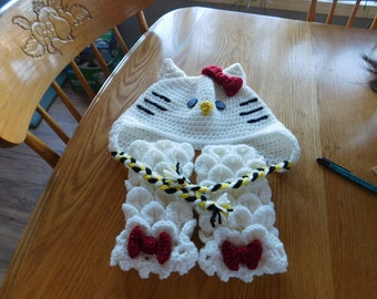 Hello Kitty Hat, Dragon fingerless glove set, large for an adult