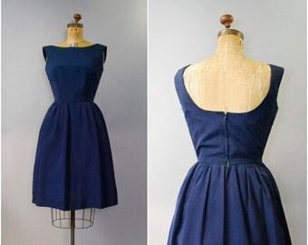 1950's classic navy blue sleeveless dress • medium