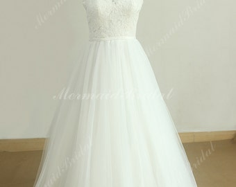 High quality Flowy Vintage tulle lace wedding dress with deep v neckline and open back