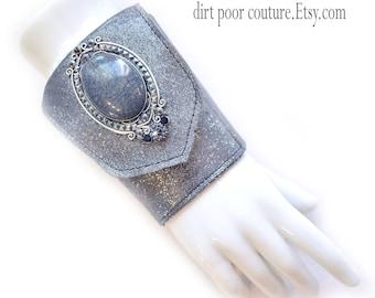 Leather | Women's Wallet | Cuff | Wallet | Wrist Wallet | Silver | Cameo