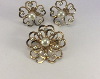 Vintage Coro Brooch and Earring Set in Goldtone and Faux Pearl