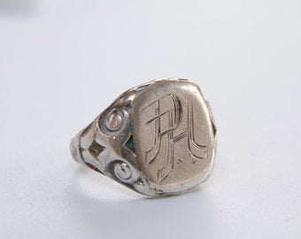 Antique French 835 silver Signet ring / rare signet ring / Heavy signet ring / French signet / initials signet ring / stamp ring / PH ring