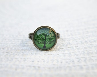 Green Ring.  Green Tree Ring.  Tree Ring,  Glass. Glass Dome Ring.  Adjustable Ring. Tree of Life Ring. Statement Ring