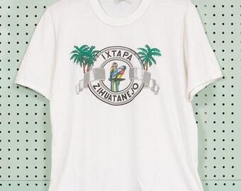 70s/80s Vintage Ixtapa Zihuatanejo Mexico T Shirt Size 38 M/L Parrot Palm Trees