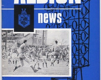 Vintage Football (soccer) Programme - Brighton and Hove Albion v Stockport County, 1967/68 season