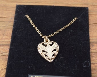 """24K Gold Tone Delicate Heart and 17"""" Chain"""