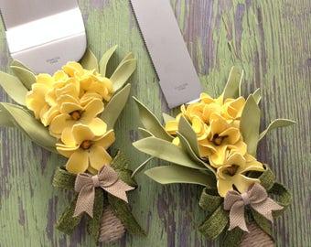 Wedding Cake Server and Knife Set / Yellow Flowers Wedding Cake Cutter Decoration / Wedding Spring - Flowers Wedding Cake Server Set