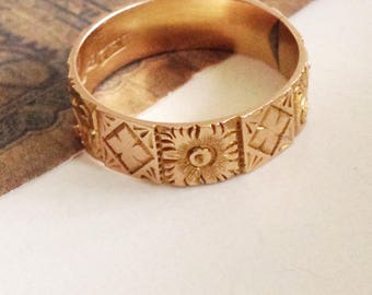 Antique Victorian gold band. Antique cigar wedding band. Gold engraved band. 1883 gold band. Antique Victorian gold band ring.