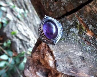 Amethyst ring, purple amethyst ring,size 8 1/2 ring,amethyst rings,purple amethyst rings, gothic amethyst ring, birthstone jewelry,goth ring
