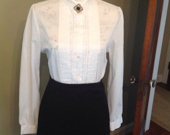 Rhonda Lee Victorian blouse in perfect condition...high neckline....lace paneled front