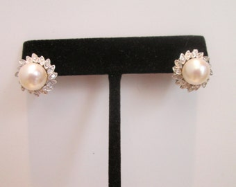 18kw gold pearl and diamond earrings