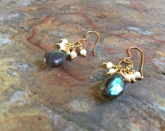 Labradorite and freshwater pearls gold dangle earrings