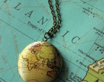 World Map Locket Necklace, Wanderlust Necklace, World Map Necklace, Not All Who Wander Are, Compass Gifts, Nomad Jewelry, Wander Art