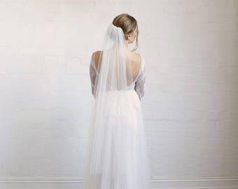 Fingertip veil, one tier veil, wedding veil, tulle veil in white, silk white, light ivory and ivory, raw edge veil, plain veil in fingertip