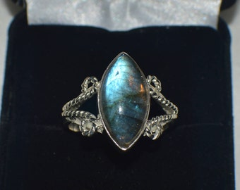 4.50 ct. Natural Genuine Blue Fire Labradorite .925 Sterling  Silver Ring