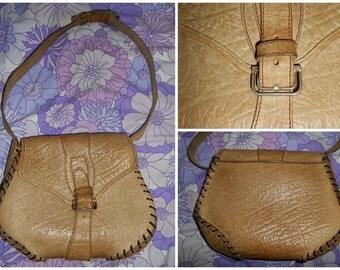 Vintage Retro 1970s Boho Hippy Hippie Light Tan Leather Messenger Saddle Satchel Bag With Buckle Fastening