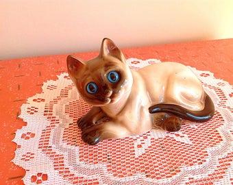 Vintage cat figurine, super cute vintage kitty cat ceramic figurine