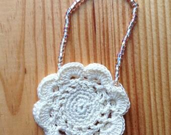 Small «Flower» beige crocheted handbag, for Pullip dolls or similar