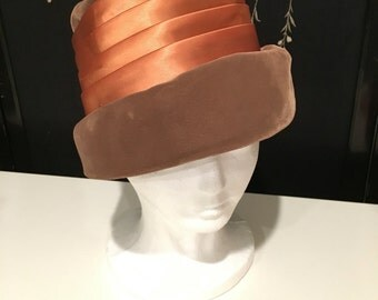Vintage Velvet 1920s hat women/1930s hat evening/gold satin brown cloche hat/bucket hat/Flapper Gatsby Downton Abbey 20s hat antique 30s hat