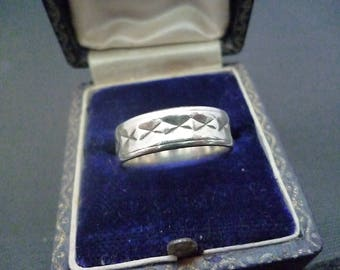 Unique silver band ring - 935 - European silver - UK O - US 7.25