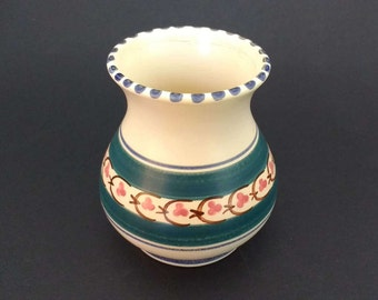 Honiton Devon Pottery vase, 1940s or 1950s, pretty vintage 'Honiton' design, hand painted, lovely timeless design, posy vase