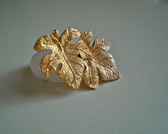 Ladies Shiny Vintage Gold Tone Textured Double Grape Leaf Brooch