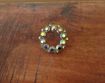 Weiss Signed Vintage Circle Wreath Pin Brooch with Purple Green Aurora Borealis AB Rhinestone Chatons 1950s