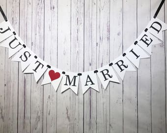 Just Married Banner, Just Married Prop, Getaway Car Sign, Married Car Sign, Wedding Photo Sign, Wedding Car Sign, Bridal Banner, Garland