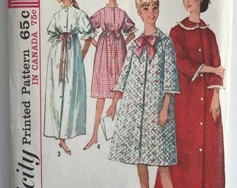 Vintage 1960s Housecoat Robe Pattern Simplicity 5726 // 1960s Sewing Pattern Intimates // Size 12 Bust 32