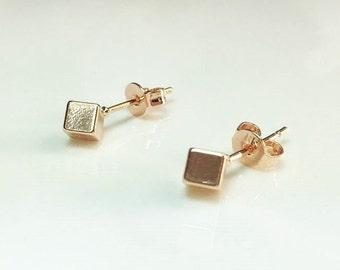 Tiny Rose Gold Cube Earrings, Cube Stud Earrings, Geometric Studs Earrings, Gold Cube Earrings, Minimalist Small Rose Gold Stud Earrings