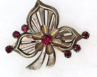 Retro Clover Shamrock Brooch/Pin . 30s 40s Open Work Metal with Red Stones . Vintage 1930s 1940s Jewelry . Antique Brooch Pin