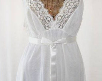 Vanity Fair Chiffon and Lace Bridal Nightgown Ivory White 36