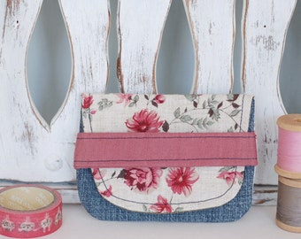 Card holder, small wallet made from recycled fabrics credit cards health cards fidelity eco-friendly eco-design flower linen pink denim