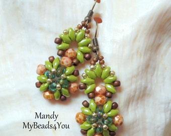 SuperDuo Earrings, Beadwork Earrings, Beadwoven Earrings, Beaded Earrings, SuperDuo Beaded Earrings, Green Earrings,Earrings, MyBeads4You