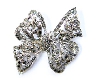 Silver Coloured Marcasite Flowers Bow Vintage Brooch (c1930s)
