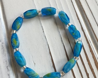 Teal Blue Swirled Glass Beaded Bracelet with Lime Tones