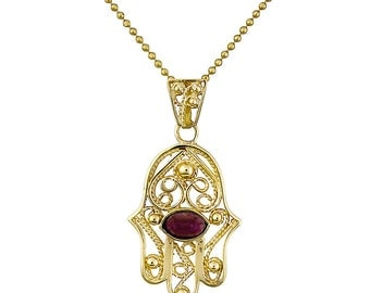 14K Yellow Gold Red Garnet Hamsa Pendant Traditional Filigree Judaica Necklace Hand Of Fatima Jewelry