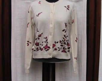 Medium GOYAI Sweater with Flowers SWTR061