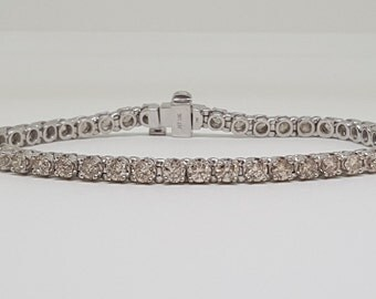 Stunning Vintage 10k White Gold 1.66 Carat Natural Diamond Tennis Bracelet 7""