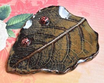Ceramic leaf ladybug spoon rest. Ladybug ring holder. Leaf soap dish. Leaf with Ladybug jewelry holder. Spoon rest. Lucky Ladybug plate.