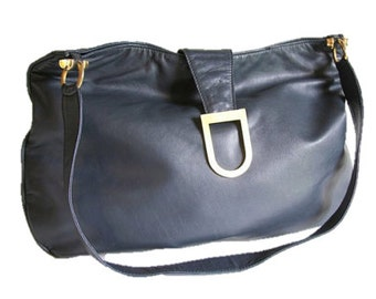 Vintage Navy Shoulder Bag / Elegant Slouchy Weekend Bag / Leather Interior / Vintage Womans Purse / Retro Shoulder Bag Purse