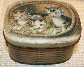 Very cute little vintage tin with kittens in a basket