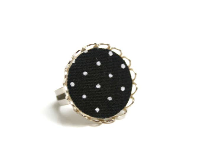 Black and white dots, fabric, wood, brass Adjustable ring