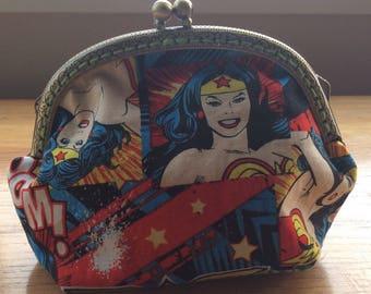 Vintage Style Wonder Woman Purse .