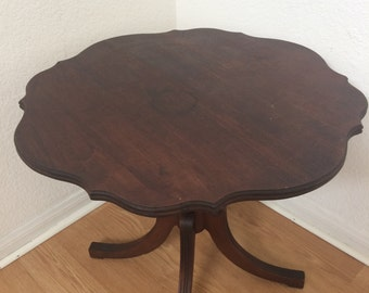 Vintage Imperial Mahogany Side Table Made In Grand Rapids