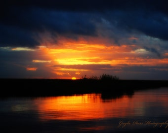 Sunrise Photography,Morning sun rays,Sunrise clouds,River Photography,Lake Photography,Still Water Photography,Lake Sunset,